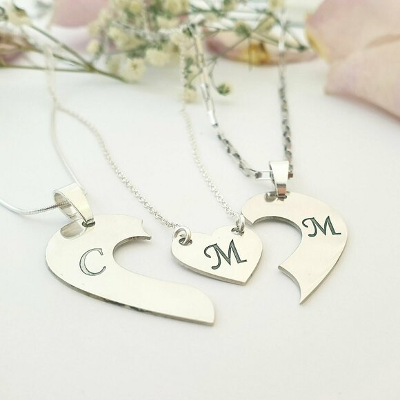 Set 3 lantisoare familie - o inima impartita 3 pandantive - pandantive laterale pentru parinti - inimioara pentru fata - Argint 925