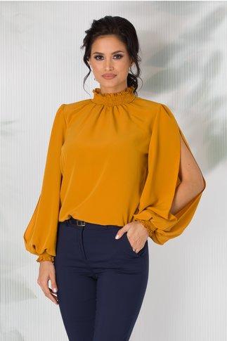 Bluza LaDonna galben mustar cu maneci decupate si guler cret