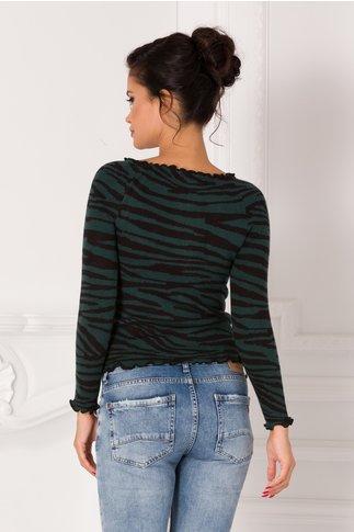 Bluza verde cu nasturi si imprimeu zebra