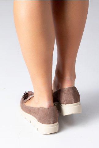 Pantofi Emma maro cu ciucurei si decupaj