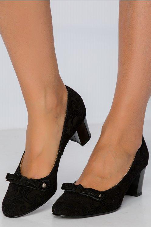 Pantofi Lena negri cu fundita si detalii iesite in relief