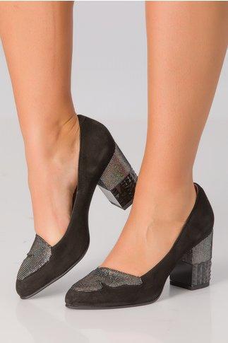 Pantofi negri cu strasuri pe toc si varf