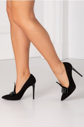 Pantofi stiletto negri din piele intoarsa cu funda in fata