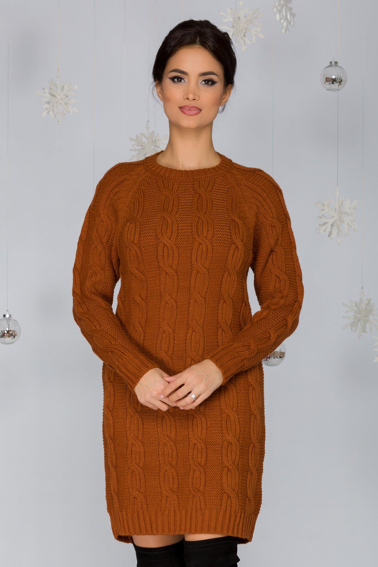 Rochia Tania maro tricotata cu model impletit
