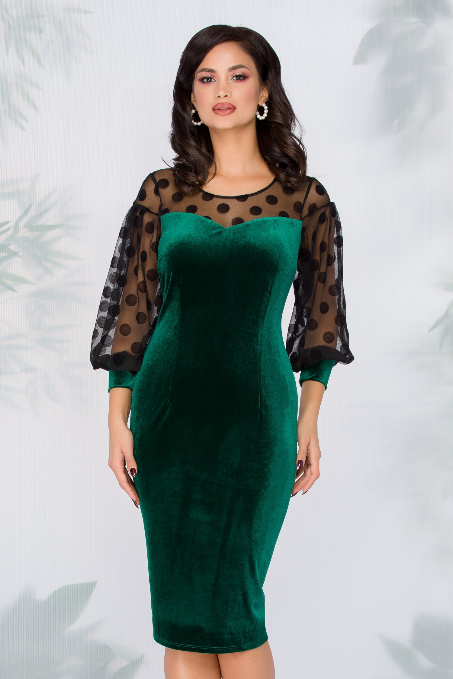 Rochie Annemarie verde din catifea cu maneci negre