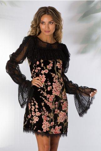 Rochie LaDonna neagra din catifea cu floricele si maneci din dantela