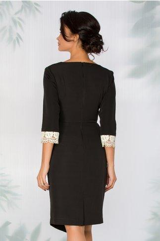 Rochie Marisa neagra cu design petrecut si broderie florala