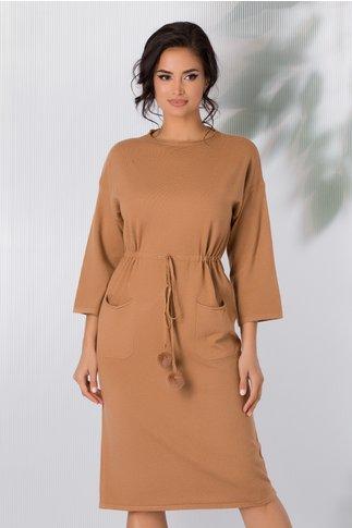 Rochie Sara tricotata maro camel cu snur in talie si buzunare