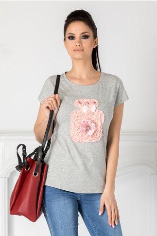 Tricou gri cu aplicatie din dantela roz