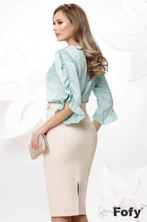 Bluza dama turcoaz satinata cu volane la maneci si colier inclus