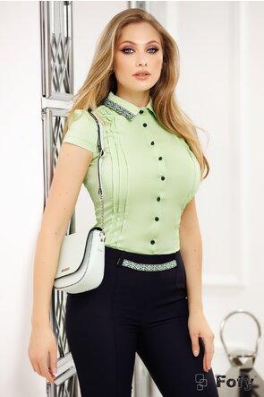 Camasa Fofy verde fistic cu aplicatii decorative in zona gulerului