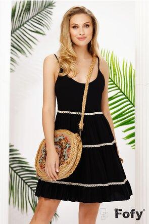 Rochie de vara neagra scurta din vascoza larga cu spatele semigol si apicatii de dantela brodata