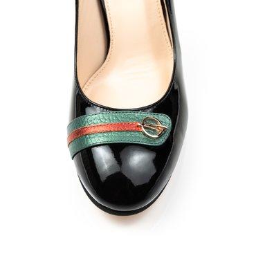 Pantofi negrii din piele lacuita Joli Confy cu bareta Spring