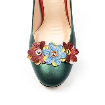 Pantofi verde sidefat din piele naturala Elisa cu aplicatii florale