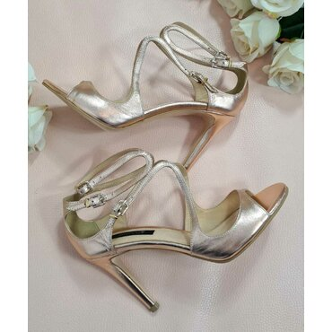 Sandale de ocazie roz lucios L2582