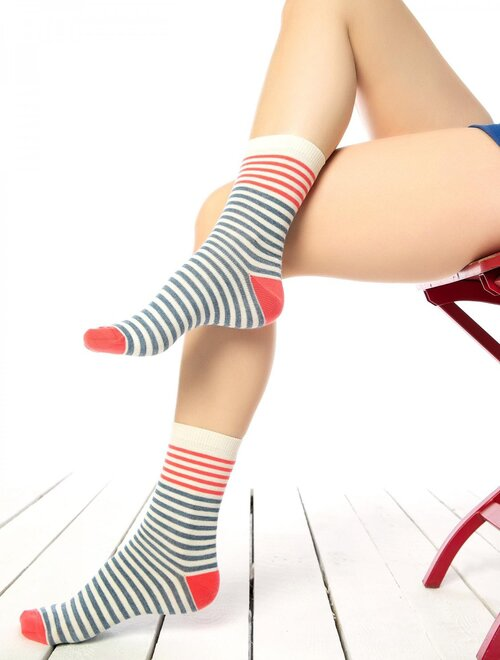 Sosete crem cu dungi in doua culori Socks Concept SC-1589