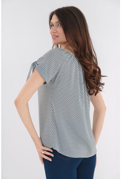 Bluza bleu cu print geometric discret si fundite la maneci