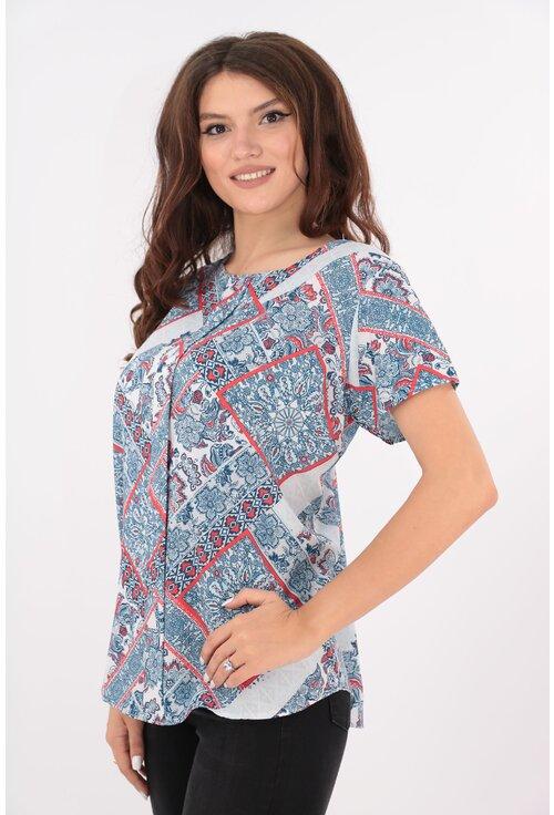 Bluza lejera bleu cu carouri rosii si flori