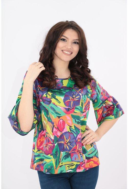 Bluza lejera cu print floral multicolor