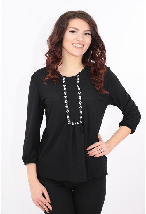 Bluza lejera neagra cu broderie florala alb-negru