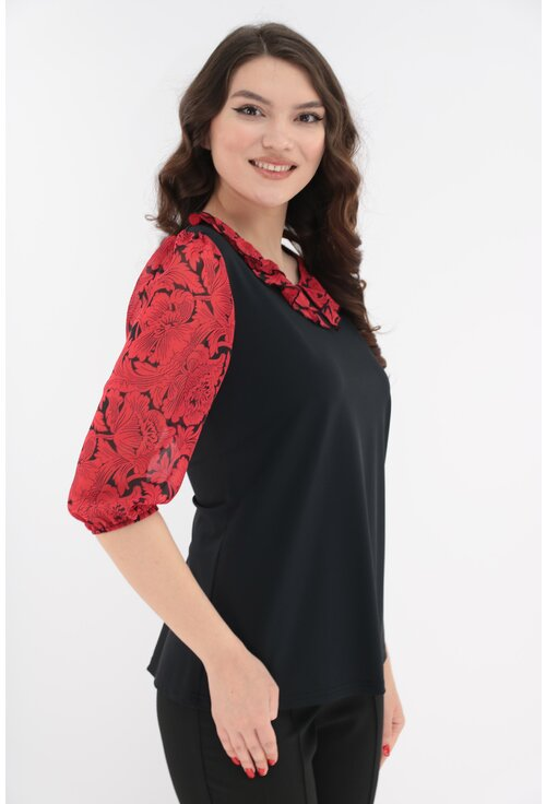 Bluza neagra cu volan dublu din voal cu flori rosii la decolteu