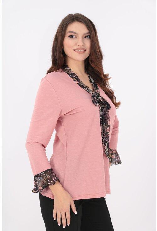 Bluza roz cu esarfa si volane din voal imprimat