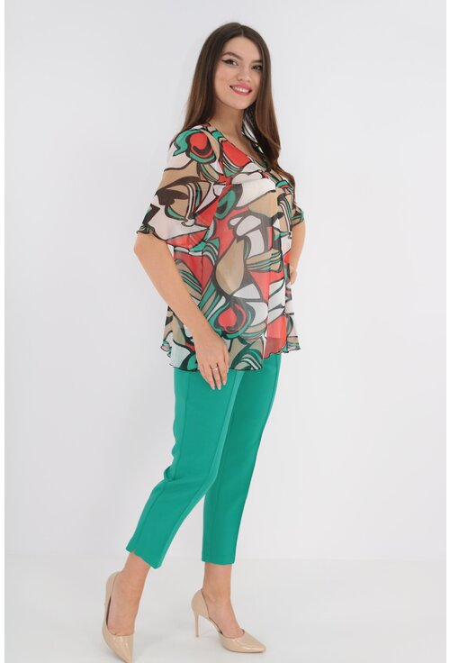 Costum cu bluza multicolora din voal si pantaloni verzi