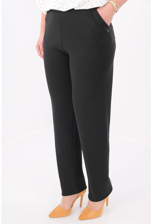 Pantaloni negri flausati cu dantela neagra la buzunare