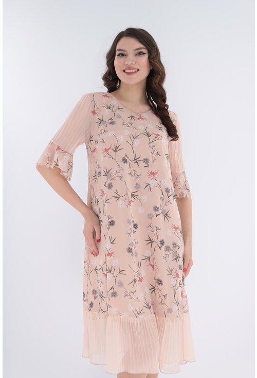 Rochie lejera roz-pudra cu print floral discret si volanas la tiv